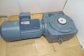 SEW - SA70 DT100LS4/2/BM/HR/TF - Used